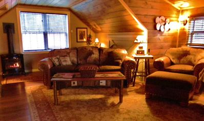 Decorated in upscale, rustic theme for that genuine Adirondack experience!