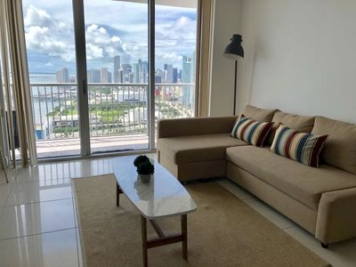 1 BR w Breathtaking Views and Only 7 mins to Beach
