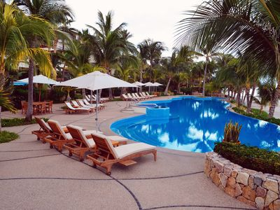 Photo for LUXURY CONDO WITH DIRECT BEACH ACCESS