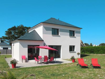 Photo for Vacation home in Cléder, Finistère - 6 persons, 4 bedrooms