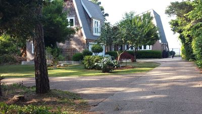 Photo for Charming and Spacious Waterfront Apartment in Manteo