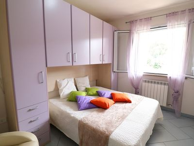 Photo for Idyllic Holiday Apartment with Wi-Fi, Air Conditioning & Balcony; Pets Allowed, Parking Available