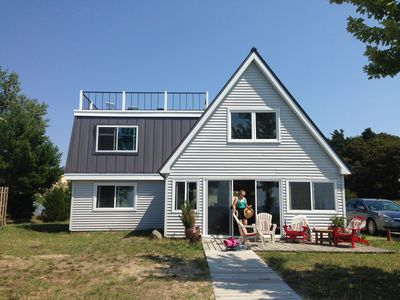 Cozy Lake Michigan cottage right on the beach near Silver Lake Dunes