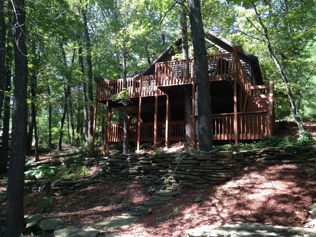 Log cabin in the woods by a lake - Property Image 18 Log Cabin In The Woods Relaxing Outdoor And Cozy Indoor Living