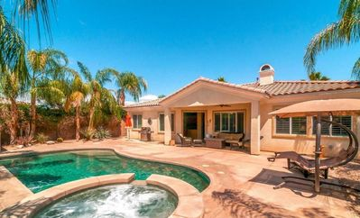 The Heat Retreat features a deep pebble tech pool and a beautiful jacuzzi.