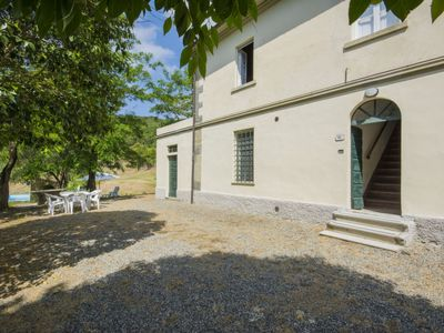 Photo for 4 bedroom Apartment, sleeps 10 in Marmigliaio with Pool