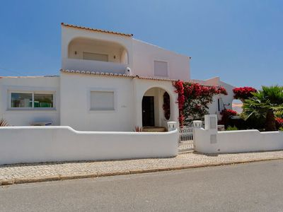 Photo for Casa Vale Do Algar is a stunning four bedroom property in a magnficient location.Just a 10 minute wa