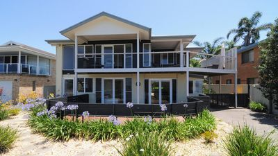 Photo for Arcadia :: Across the road from the beach, with views of Jervis Bay
