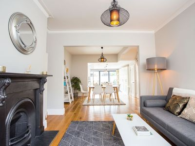Photo for The Romsey Lofthouse - Charming & Bright 3BDR Home