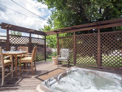 "Photo for Perfect ""Home Away From Home"" Near Skiing &Town! Hot Tub! Great For Families!"