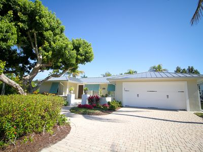 Photo for Beautiful Waterfront Pool Home with Boat Lift near dwntown Naples, PET friend