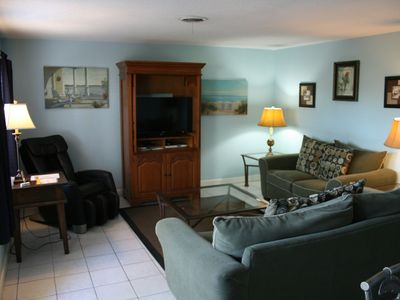 Photo for Spacious, Clean, Quiet - Centrally Located 2/2 - Near Beaches and Downtown