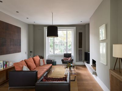 Photo for Two Bedroom Apt, Sleeps 5 with phenomenal conservatory, Brixton (Veeve)