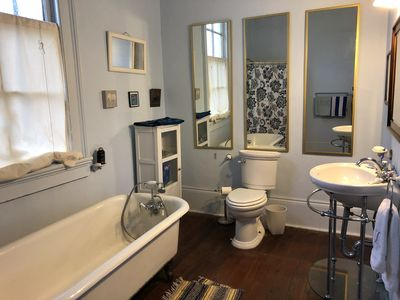 Photo for Quiet 1 BR in the heart of the Faubourg Marigny