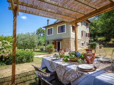 Photo for Ortensia - Walk to restaurant. Contry house with private pool. Close to Lucca.
