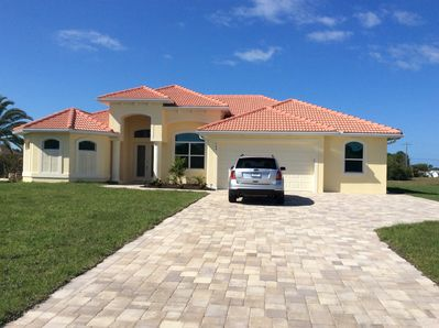 Brand new luxury 3bed 3bath pool home with spa 2master suites golf and beaches