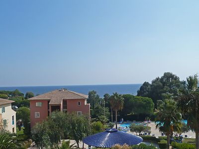 Photo for 2 bedroom Apartment, sleeps 6 with Pool, WiFi and Walk to Beach & Shops