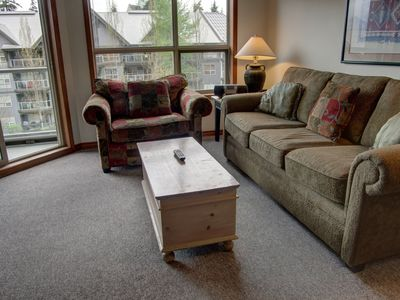 Photo for Prime Ski-in Ski-out Location! Pool, Hot tubs, BBQ, sleeps 6 (460)