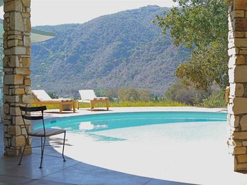 Elegant Mid-Century With Round Pool, Old Oaks And Great Views