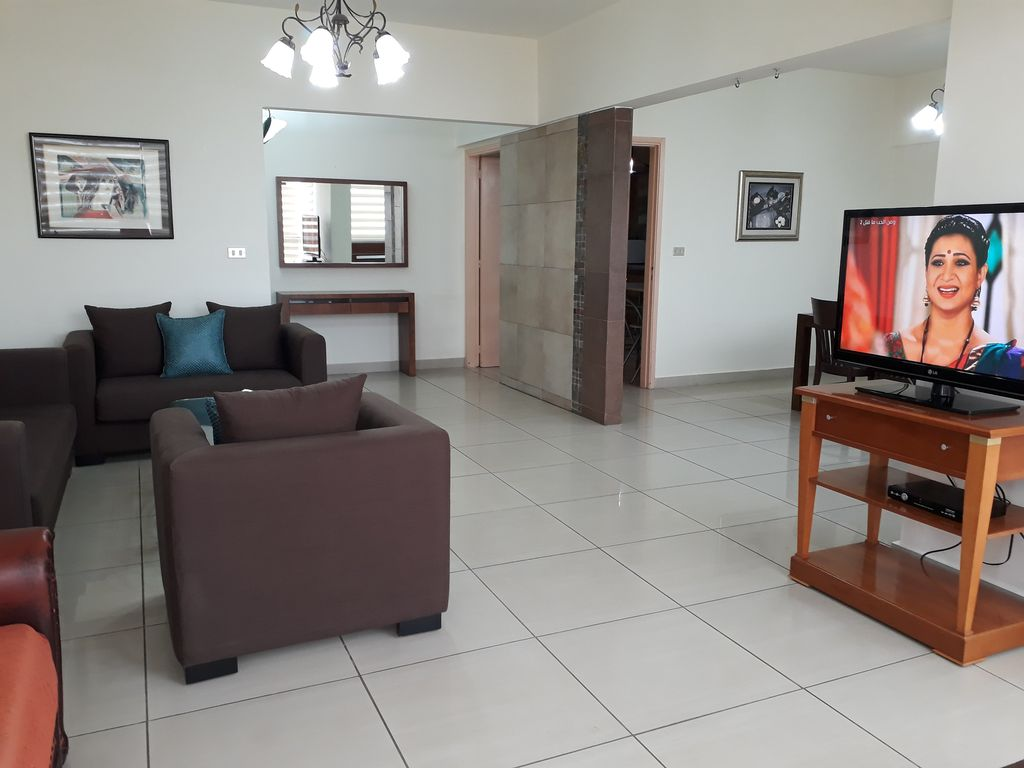 Apt 8W: cozy& elegant 2 bedroom furnished apt with view in central town location