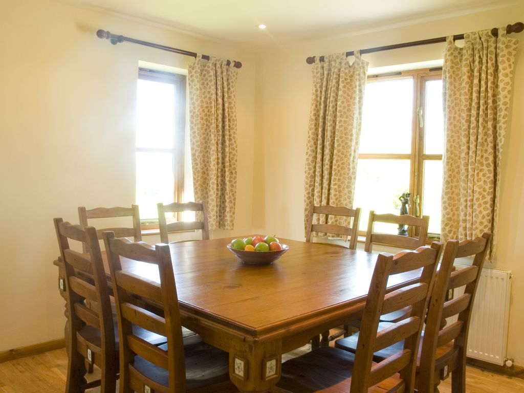 Property Image#6 Hawthorn Luxury 4 Bed Cottage  Great Views, Indoor Pool