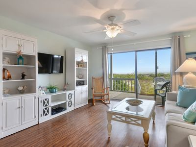 Photo for Oceanfront, Huge Deck, New King Bed!