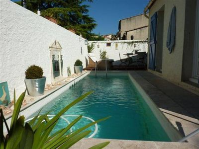 Photo for Charming 3 bedrooms cottage with a swimming pool ideally located for a typical experience in Provence
