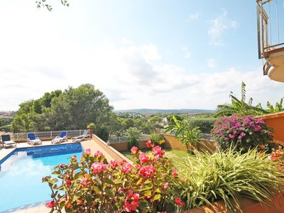 Photo for Esperanza: Extraordinary villa with a large pool and impressive garden
