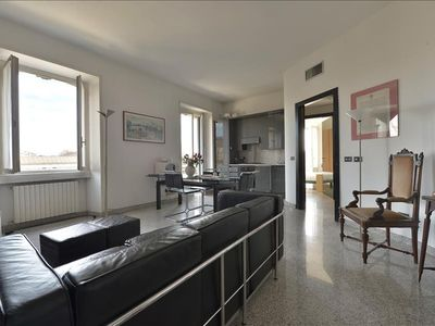 Photo for Splendid 2bdr in Porta Romana area