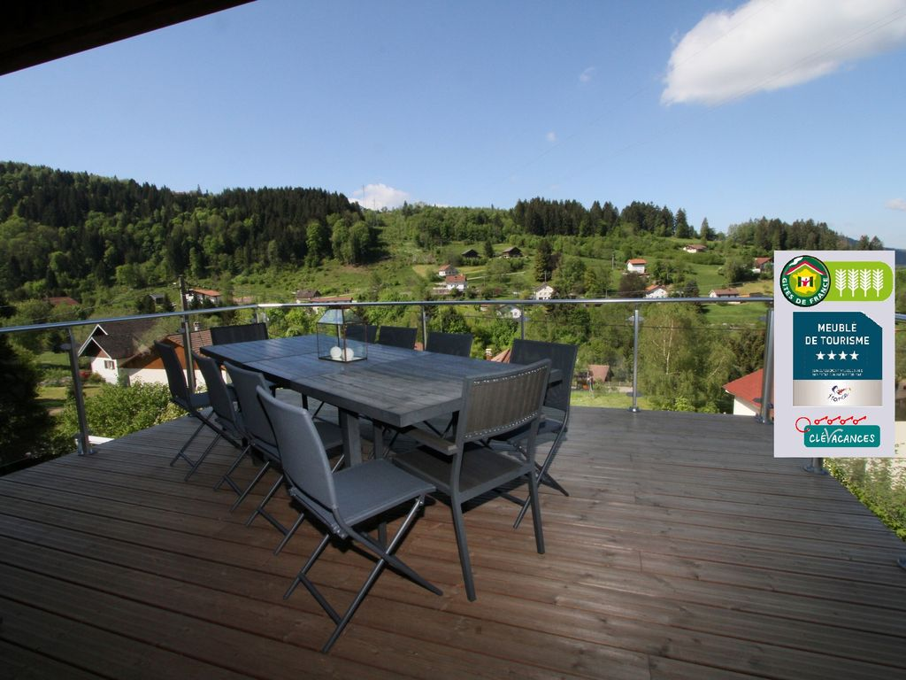 Chalet gerardmer 26 pers piscine jacuzzi sauna s fitness for Piscine a gerardmer