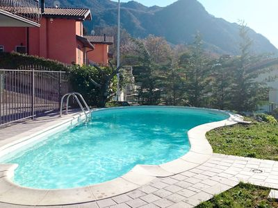 Photo for Lovely apartment for 6 guests with private pool, WIFI, TV, balcony, pets allowed and parking