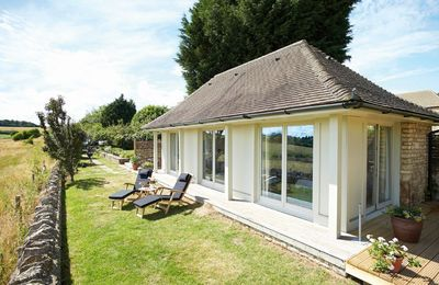 Photo for 1BR Bungalow Vacation Rental in Idbury, Chipping Norton