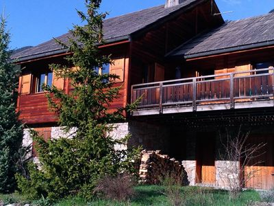 Photo for Charming chalet in Serre-Chevalier (12-16p)