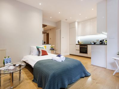 Photo for Bright Earls Court Square Apartment - WSN