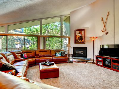 Photo for Beautiful Spacious 2 Bedroom 2 Bathroom Condominium