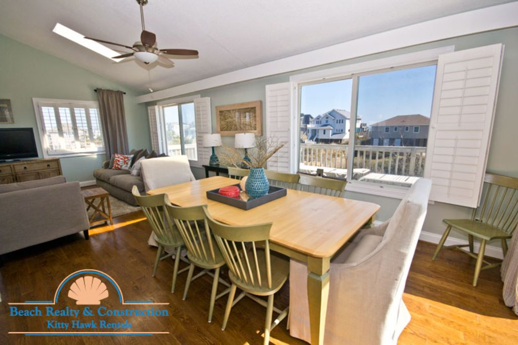 D4101 Arcadia. Pet Friendly, Private Pool, Great Ocean Views, Steps to Beach!