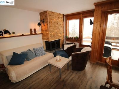 Photo for 3-room apartment (max 6 people) with 2 bedrooms, near the village centre with a view of the Valais A