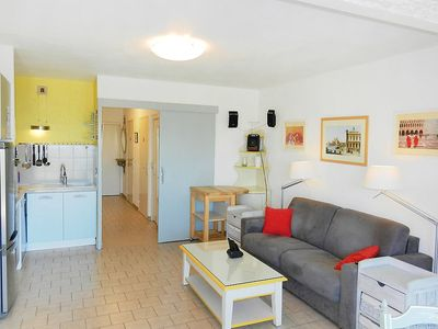 Photo for Apartment 930 m from the center of Sanary-sur-Mer with Parking, Internet, Washing machine, Pool (103533)