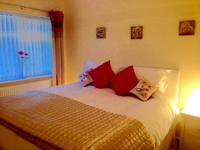 Photo for The Palms Holiday Home Near Beautiful Benllech Beach - children and pet friendly