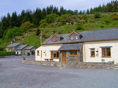 Photo for HENRHIW UCHAF, pet friendly, with open fire in Penmachno, Ref 913376