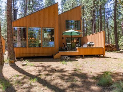 Photo for Charming and Upgraded Three Bedroom Cabin with Lake Views!