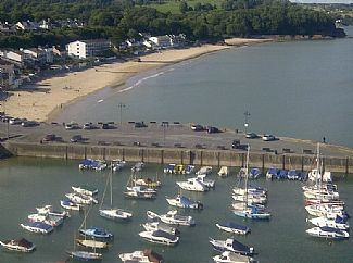 Photo for 3BR Bungalow Vacation Rental in Saundersfoot