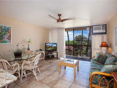 Photo for Partial Ocean views from this 1 bd condo at the Maui Vista #1209