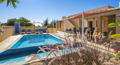 Photo for Villa Amarela - free heated pool, short walk to centre of Carvoeiro