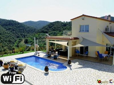 Photo for 4 bedroom Villa, sleeps 8 in Sant Antoni de Calonge with Pool, Air Con and WiFi