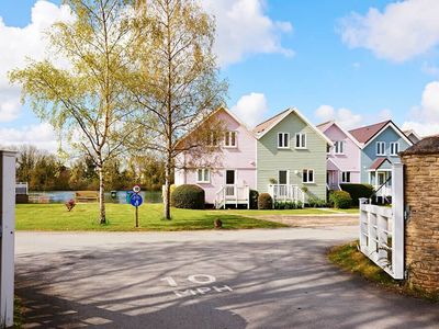 Photo for From £18 pppn. Stylish family-friendly lakeside retreat in the Cotswold Water Park