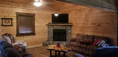 Photo for Brand New 3 bed / 3 bath Luxury Cabin, Hot Tub, Games, Easy Check in! Book Now!