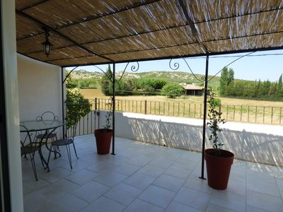 Photo for At the foot of the Alpilles, beautiful T2 of 35m² with terrace and pool