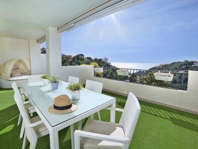 Photo for Nice apartment for 4 people with WIFI, pool, A/C, TV, balcony and parking