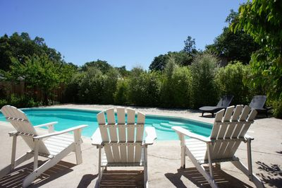 Enjoy our home with a huge swimming pool located near Sonoma town square.